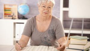 Nauczycielskie świadczenia kompensacyjne są odpowiednikiem emerytur pomostowych