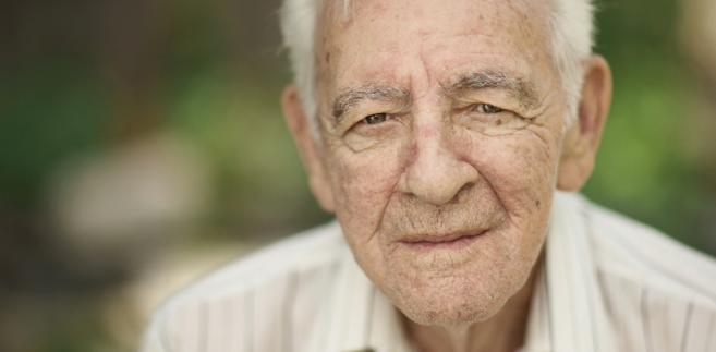 Związkowcy nie ukrywają, że kwestionowane rozporządzenie ma bezpośredni wpływ na ich prawo do emerytur pomostowych.