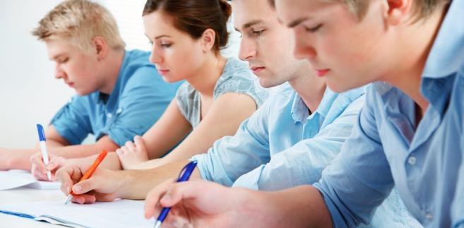 Część maturzystów ma problemy z zadaniami, w których trzeba się wykazać rozumieniem tekstu