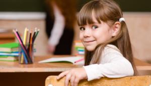 Wrzesień w większości szkół to między innymi czas wyboru ubezpieczyciela.