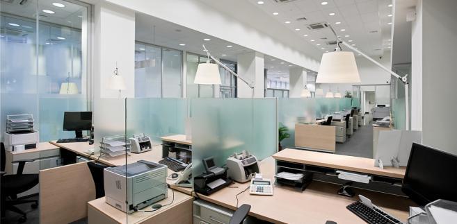 Polacy spędzają w pracy średnio dwie godziny dłużej niż mieszkańcy innych europejskich państw.