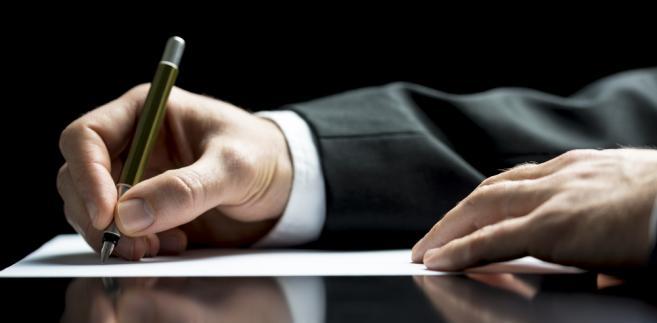 Jak zawrzeć umowę o zbycie spadku?