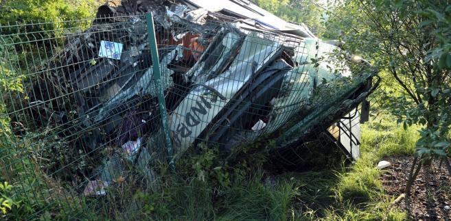 W wypadku na niemieckim odcinku autostrady A4 zginęło 10 osób EPA/ROLAND HALKASCH