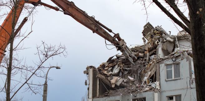 Rozbiórka domu, katastrofa
