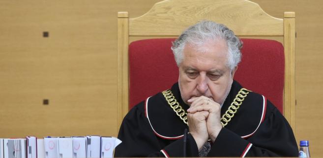 W środę Rzepliński powiedział PAP, że mam nadzieję, iż rząd opublikuje dwa brakujące wyroki