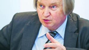 Dr hab. Ryszard Piotrowski, konstytucjonalista zUniwersytetu Warszawskiego