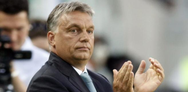 """""""Powstanie nowy rząd. Nie chcemy przedłużać poprzedniej kadencji, tylko otworzyć nową. Z tego względu można się spodziewać istotnych zmian i korekt"""" - oświadczył Viktor Orban"""