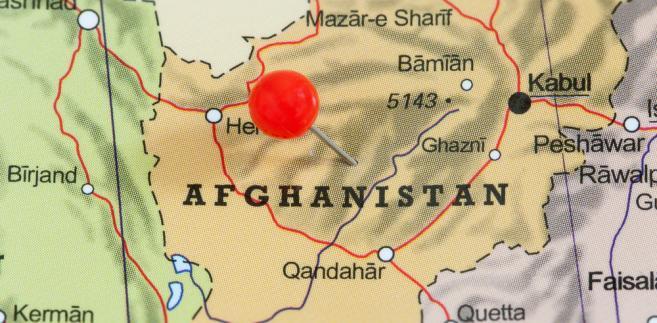 Dziesięciu policjantów zginęło, a czterech zostało rannych w nocy z czwartku na piątek w ataku talibów w prowincji Herat na zachodzie Afganistanu - poinformowały lokalne władze. Formalnie nikt nie przyznał się do ataku.