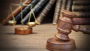 Należy zwrócić uwagę na nowelizację ustawy o Krajowej Szkole Sądownictwa i Prokuratury – przeszła niezauważona, a zapewnia scentralizowane kształcenie kadr na wzór i podobieństwo wyobrażenia polityków o sędziach dających rękojmię należytego wykonywania zawodu. A jakie to jest wyobrażenie, widać w sejmowych komisjach śledczych, w których nie obowiązuje domniemanie niewinności i wiele innych zasad procesowych