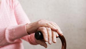 Przeciętna emerytura, wynikająca z wydanych dotychczas decyzji o wypłatach świadczeń, wyniosła w przypadku kobiet 1 tys. 639 zł i 16 gr., a w przypadku mężczyzn 2 tys. 755 zł i 05 gr.