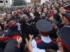 Służby medyczne Katalonii: 893 rannych w starciach podczas referendum