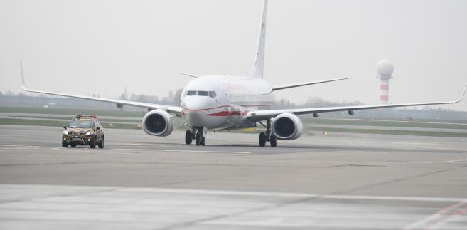 Boeing 737-800 w 1. Bazie Lotnictwa Transportowego w Warszawie