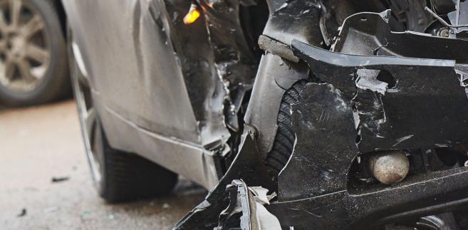 Trybunał dodał, że ani kwestia tego, czy pojazd był unieruchomiony, ani tego, czy jego silnik w chwili wypadku był włączony bądź nie, nie jest rozstrzygająca.