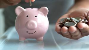 """Jak dodała, """"poparcie partnerów społecznych oznacza szybkie wejście w życie ustawy, która jest bardzo potrzebna Polakom i polskiej gospodarce"""". """"PPK to więcej oszczędności na emeryturę, wyższy kapitał krajowy, zastrzyk kapitału na rynek – możliwość finansowania polskiej gospodarki i polskich firm"""" - oceniła Teresa Czerwińska."""