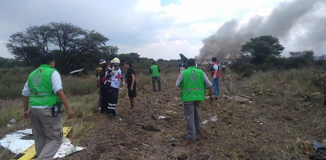 Na pokładzie samolotu, który leciał do stolicy kraju, miasta Meksyk, było 97 pasażerów i czterech członków załogi.