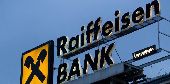 RBI nie wywiązał się z zobowiązań inwestorskich, jakie podjął, występując o zgodę na przejęcie Polbanku.