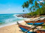 """Sri Lanka - oznacza w sanskrycie """"olśniewający kraj"""". Po zakończeniu w 2009 roku wojny domowej Sri Lanka zaczyna podbijać serca turystów z całego świata. Przystępne ceny (jeszcze!) powodują, że Sri Lanka jest jednym z 13 krajów, które zdaniem czołowych Glogerów turystycznych warto odwiedzić w 2013 roku."""