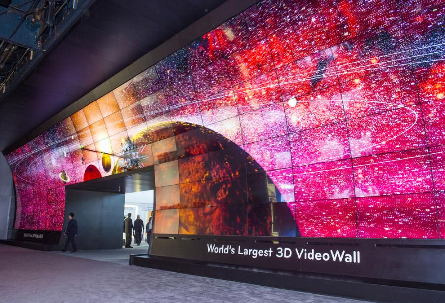 USA, Las Vegas - 3D video wall at the LG booth at the CES