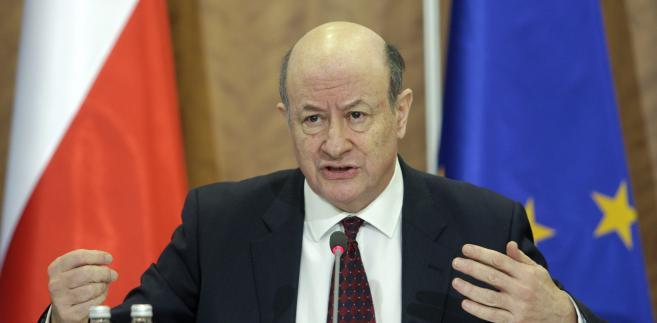 Jan Vincent Rostowski mówił, że obecna reguła ostrożnościowa spełniła pożyteczna rolę, bo zniechęcała kolejne rządy do nadmiernego zadłużania się.