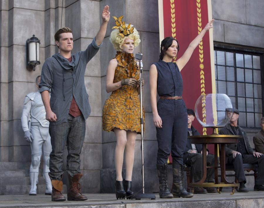"""""""Igrzyska śmierci: W pierścieniu ognia"""" Josh Hutcherson, Elizabeth Banks, Jennifer Lawrence"""