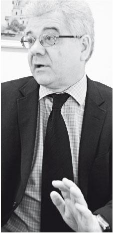 """""""Zarobki absolwentów Krajowej Szkoły Administracji Publicznej zaczynają się od 4 tys. zł"""""""