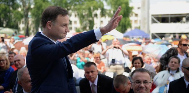 Prezydent elekt Andrzej Duda podczas obchodów Święta Dziękczynienia na Polach Wilanowskich w Warszawie