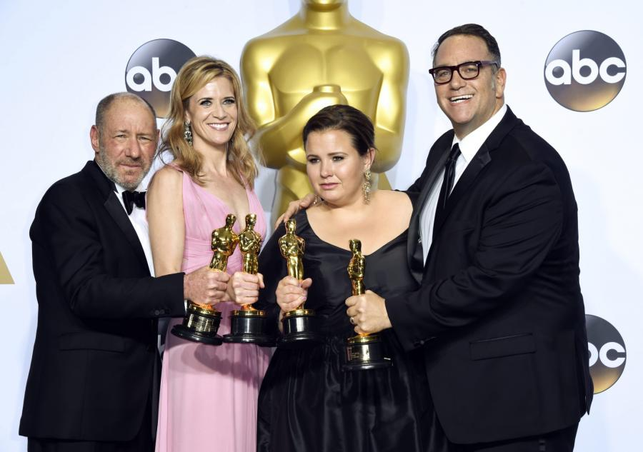 "Steve Golin, Blye Pagon Faust, Nicole Rocklin i Michael Sugar z Oscarem za ""Spotlight"""