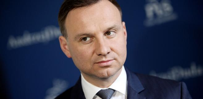 """Prezydent podkreślił, że czwartkowa wizyta w Elektrowni Połaniec była dla niego momentem ogromnej satysfakcji. """"Z radością usłyszałem od prezesa zarządu: panie prezydencie, dwa tygodnie temu zakończyliśmy proces przejmowania tej spółki, tego zakładu z powrotem w ręce Rzeczypospolitej"""" - powiedział Duda."""