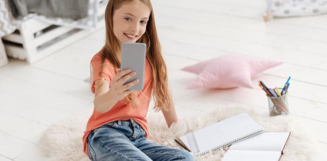selfie, dziecko, zdjęcia, internet