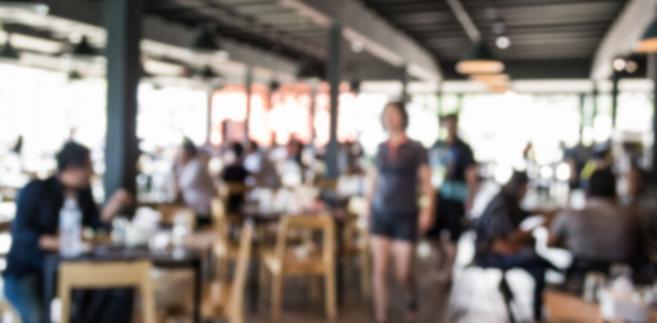 Coraz więcej restauratorów boryka się z kłopotami finansowymi.
