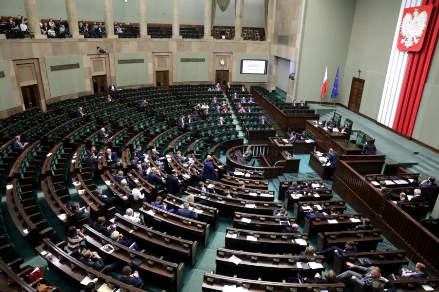 Sejm dyskutuje o prezydenckich projektach ustaw o SN i KRS