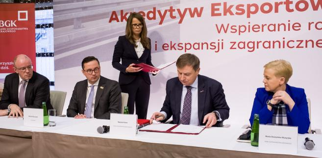 BGK podpisał umowę z pięcioma bankami w sprawie finansowania eksportu