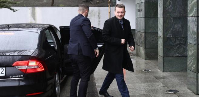 Mariusz Błaszczak w drodze na spotkanie z prezydentem Andrzejem Dudą