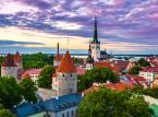 1. Tallinn, Estonia<br><br>Jeśli jeszcze nie zwiedziliście jeszcze stolicy Estonii, warto zaglądnąć tam chociażby dlatego, że znajduje się ona na 7 miejscu rankingu najbardziej inteligentnych miast na świecie. Tallińskie stare miasto z kolei w 1997 zostało wpisane na listę światowego kulturowego dziedzictwa ludzkości UNESCO.