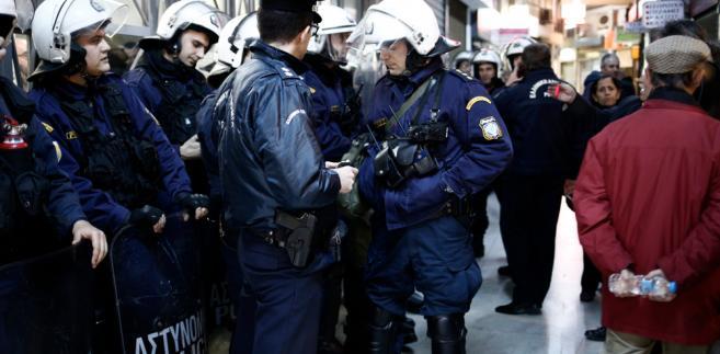 Demonstracja została zorganizowana w pobliżu hali międzynarodowych targów handlowych, na których w sobotę wieczorem jako główny gość przemawiał grecki premier Aleksis Cipras.
