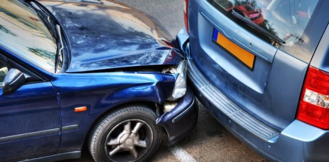 W sytuacji, w której osobą przewożoną w stosunku do kierującego jest ktoś bliski (np. małżonek, dzieci, partner itp.), przewóz ma charakter nieodpłatny