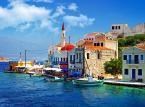 2. Grecja. Podobnie jak Hiszpania, oferuje turystom wiele możliwości na spędzenie urlopu: czy to na jednej z licznych wysp, czy na riwierze.